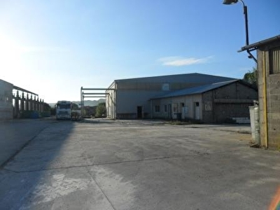 Entrepôt / Local industriel - 4405 m2