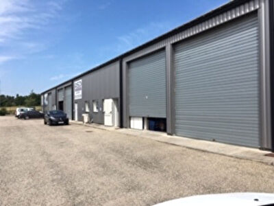 Entrepôt / Local industriel - 200 m2